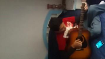 guitaring